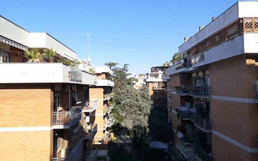 TRE CAMERE: Monteverde via Raffaele Battistini